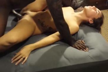 Cuckold férj filmezi felesége baszását